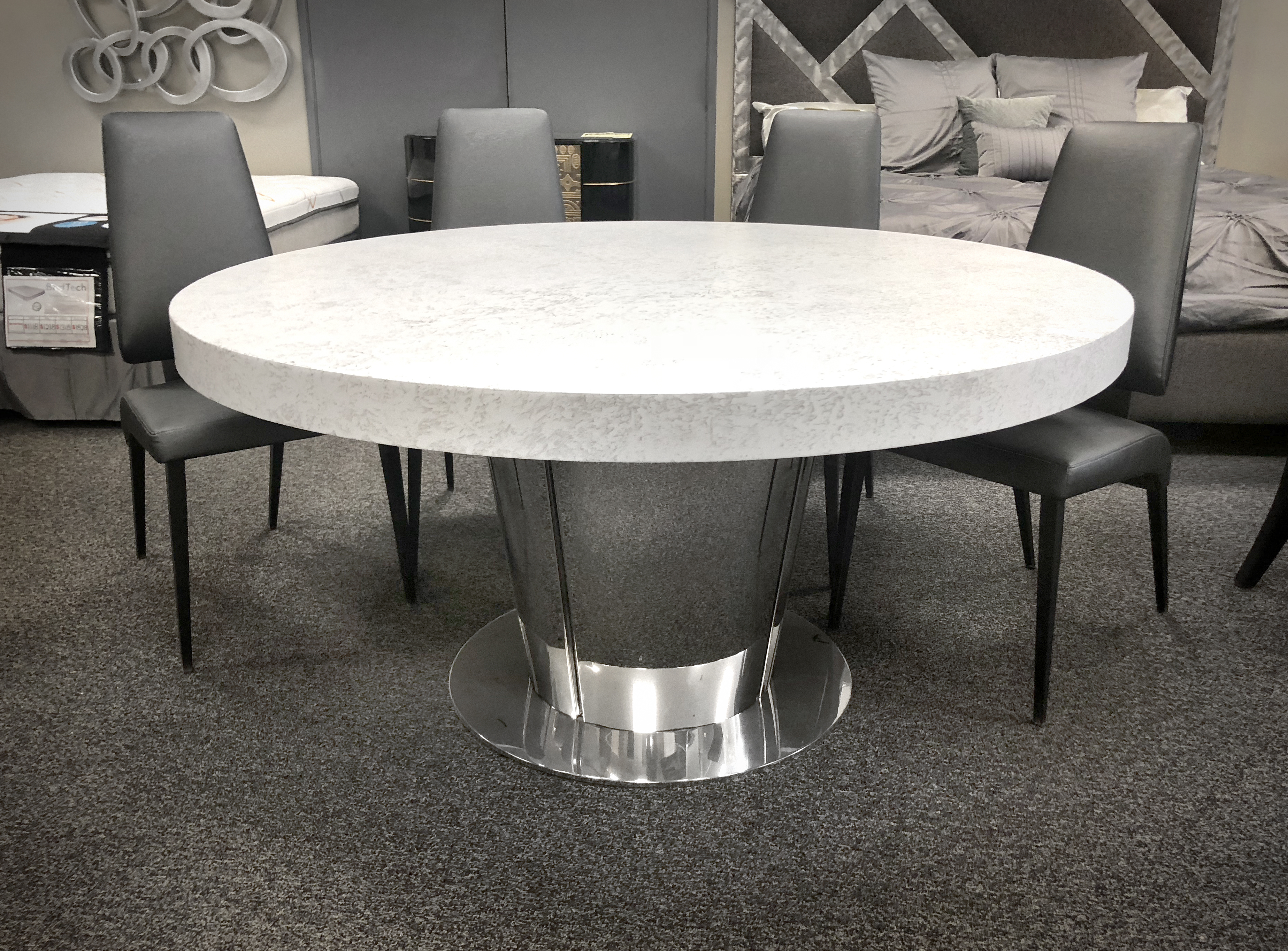 """Roma 60"""" Rd Dining Table Image"""